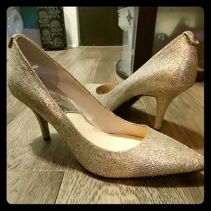Size 8 Michael Kors gold heels